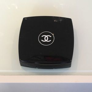 Chanel blush in evening red